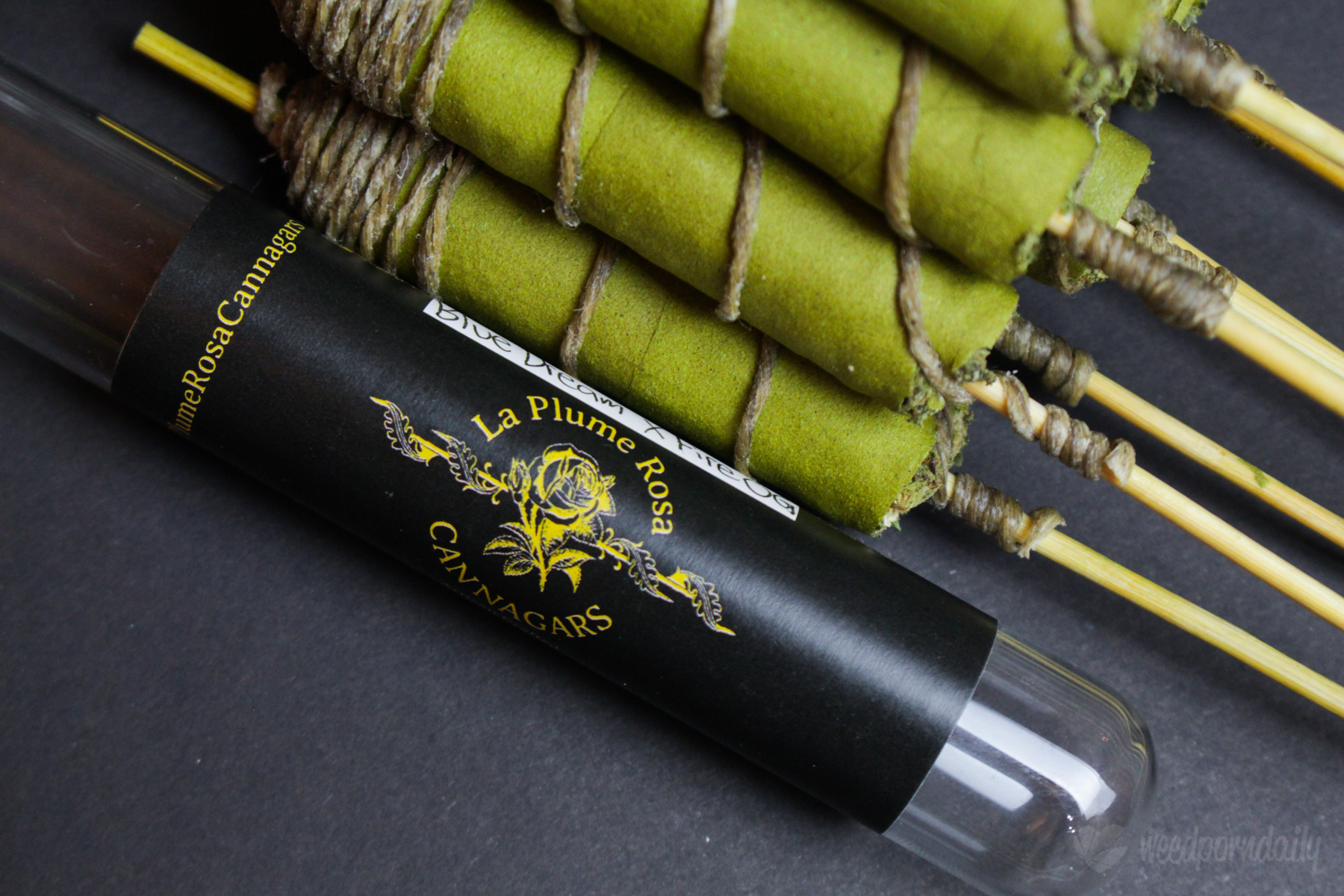 La Plume Rosa Cannagar Packaging